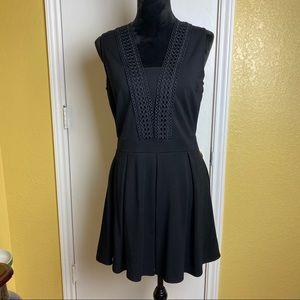 Gianni Bini Black Sleeveless Dress with v-neck M